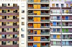 Färgrika byggnader och fönster Royaltyfri Bild