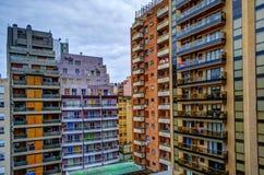 Färgrika byggnader och fönster Fotografering för Bildbyråer