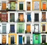 24 färgrika dörrar i Norge royaltyfri fotografi