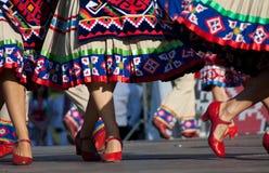 färgrika dansareskirts Arkivbilder