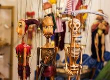Färgrika dockor i prague Arkivbilder