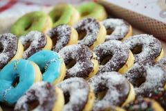 Färgrika donuts Arkivbild