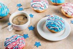 Färgrika donuts för 4th Juli Arkivbild