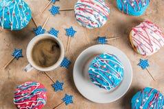 Färgrika donuts för 4th Juli Arkivbilder