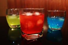 färgrika drinkar Arkivbild