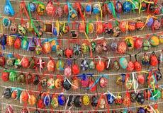 Färgrika easter ägg för bakgrund Royaltyfri Bild