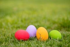 färgrika easter för bakgrund ägg ferie easter bakgrund Arkivbilder