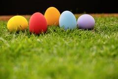 färgrika easter för bakgrund ägg ferie easter bakgrund Royaltyfri Foto