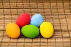 färgrika easter för bakgrund ägg ferie easter bakgrund Arkivbild