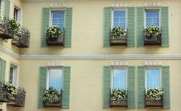 färgrika facades royaltyfria bilder