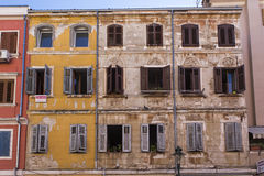 färgrika facades arkivfoton