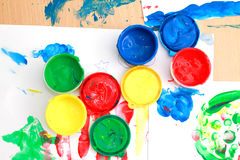 färgrika fingermålarfärger Royaltyfri Fotografi
