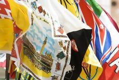 färgrika flaggor Arkivbild