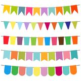 Färgrika flaggor och buntinggirlander för garnering royaltyfri illustrationer