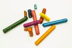 Färgrika gamla färgpennor Fotografering för Bildbyråer