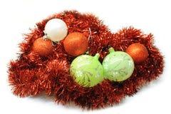 Färgrika garneringar för jul Arkivbilder