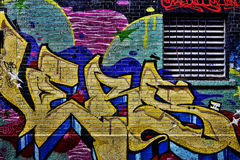 Färgrika gatagrafitti Arkivbilder