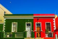 Färgrika gator av Bo-Kaap en malay koloni för udde i Cape Town Sou royaltyfri fotografi