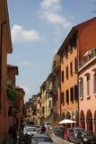Färgrika gator av bolognaen royaltyfri foto