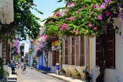 Färgrika gator i Cartagena Colombia fotografering för bildbyråer