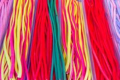 Färgrika godisar på marknaden royaltyfria foton