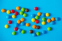 Färgrika godisar stänger sig upp Arkivbilder
