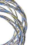 Färgrika grupper av kablar, ett globalt nätverk Arkivfoto