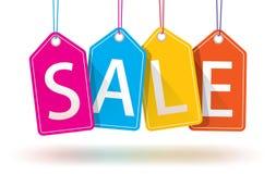 färgrika hängande försäljningsetiketter Royaltyfria Bilder