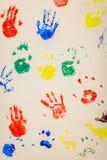 färgrika handprints Royaltyfria Bilder