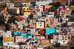 Färgrika hus Arkivbilder