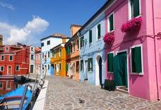 färgrika hus för burano Arkivbild