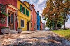 färgrika hus för burano Arkivfoton