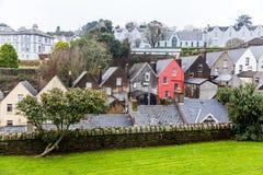 Färgrika hus i Cobh Royaltyfri Fotografi