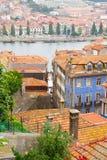 Färgrika hus i den gamla staden, Porto Arkivbilder