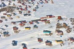 Färgrika hus i Grönland Arkivbilder