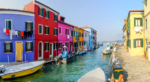 färgrika hus italy för burano Royaltyfri Fotografi