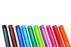 färgrika isolerade pennor Arkivfoton