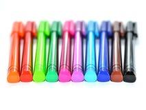 färgrika isolerade pennor Royaltyfri Fotografi