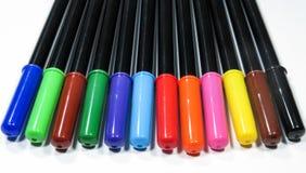 färgrika isolerade pennor Royaltyfria Foton