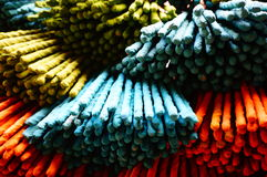 Färgrika Joss Stick fotografering för bildbyråer