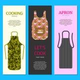 Färgrika kökförkläden ställde in av banervektorillustration Skyddande plagg Laga mat klänningen för hemmafru eller kock av stock illustrationer