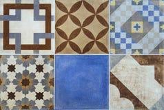 Färgrika keramiska tegelplattor med Portugal medelhavs- stil mönstrar bakgrund fotografering för bildbyråer