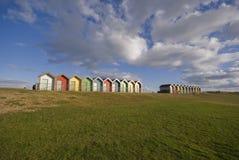 färgrika kojor för strand Arkivbilder