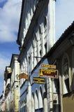 Färgrika koloniala hus, Salvador, Brasilien Arkivfoton