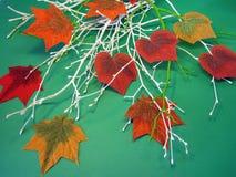 Färgrika konstgjorda tygsidor royaltyfri foto