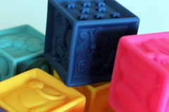 Färgrika kuber modig 3D för ungar Royaltyfria Bilder