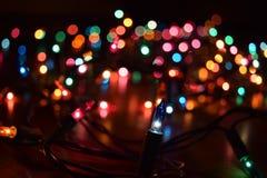 färgrika lampor för jul Arkivbild