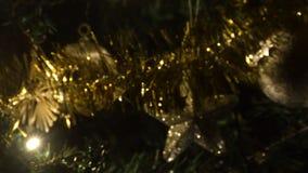 Färgrika ljus för jullynnet arkivfilmer