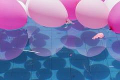 färgrika luftbollar royaltyfri bild