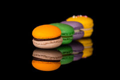 Färgrika macarons Arkivfoto